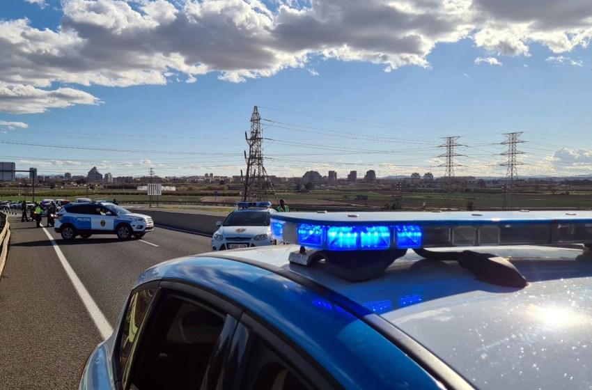 La Policía de la Generalitat impone 524 multas durante el tercer fin de semana de cierre perimetral, un centenar más que el anterior