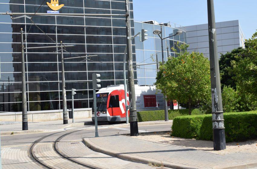 La Generalitat facilita el desplazamiento en tranvía a Feria Valencia con motivo de los exámenes de las oposiciones a personal funcionario de Justicia