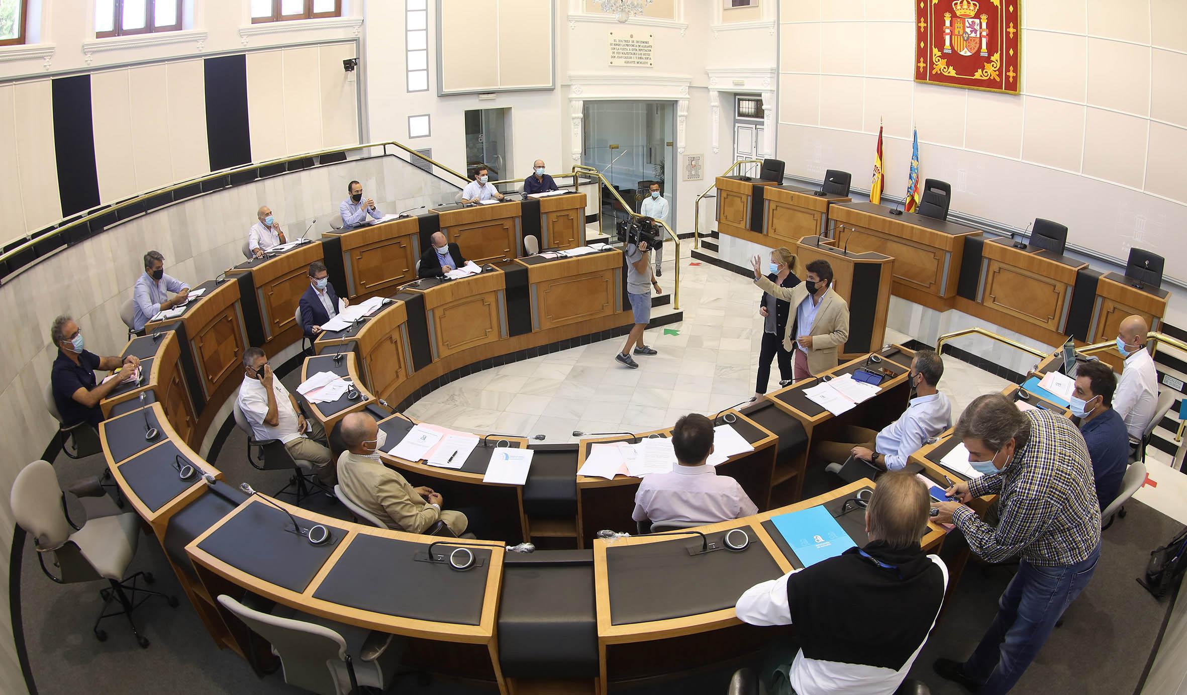 La Diputación de Alicante convoca la mesa técnica de la Comisión del Agua tras la decisión del Gobierno de recortar el trasvase Tajo-Segura