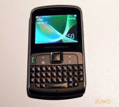 Motokey: QWERTY e dois SIM cards