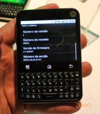 "Motorola MB502 ""Charm"": Android 2.1"