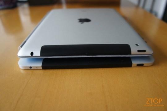 iPad e iPad 2, um em cima do outro