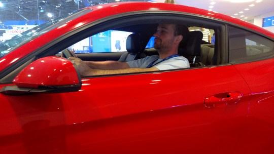 IMG_20141105_150618582 (fingindo que ando de Mustang...)