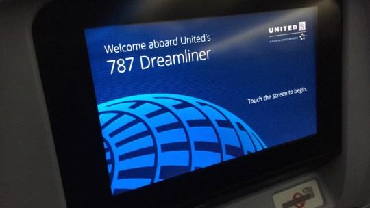 united 787  - 12