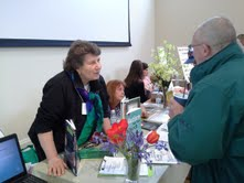 2013 resource fair Dorothy and Cindy