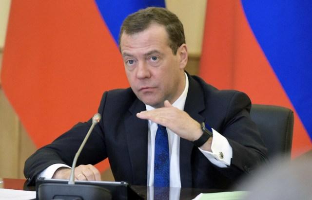 Дмитрий Медведев ile ilgili görsel sonucu