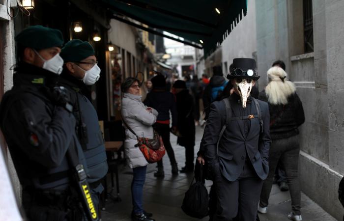 Более 820 случаев заражения коронавирусом зафиксировали в Италии