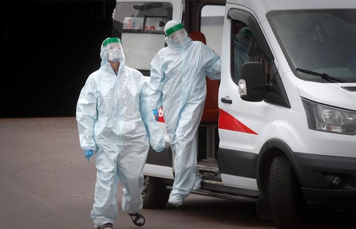 В РФ от коронавируса за сутки скончались рекордные 1 123 человека