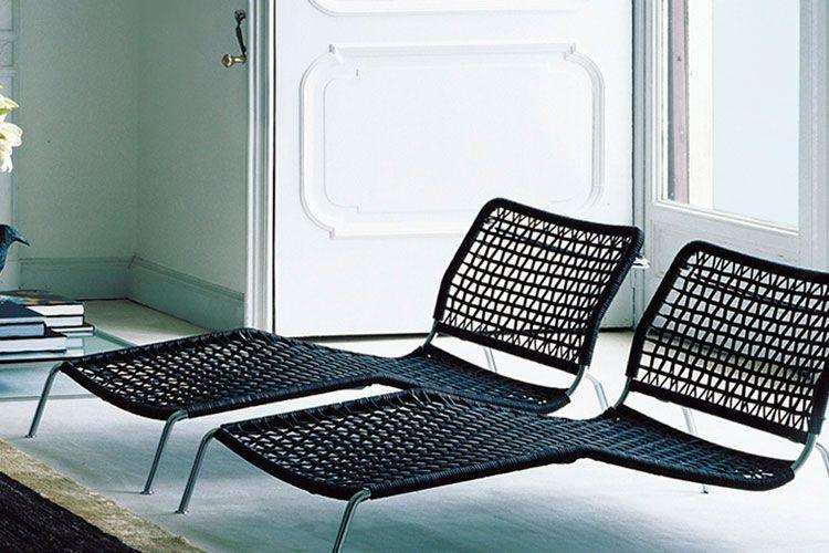 Chaise longue con patas
