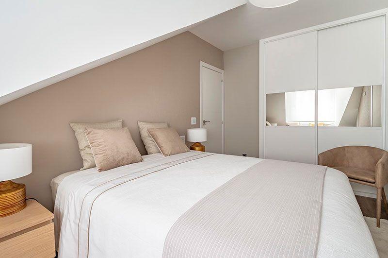 Decoración dormitorio abuhardillado