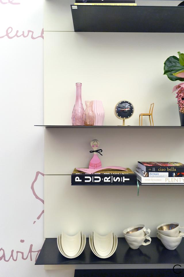 Vitra Design Kwartier Den Haag Studio van t Wout Kitchen Pink vase flower styling