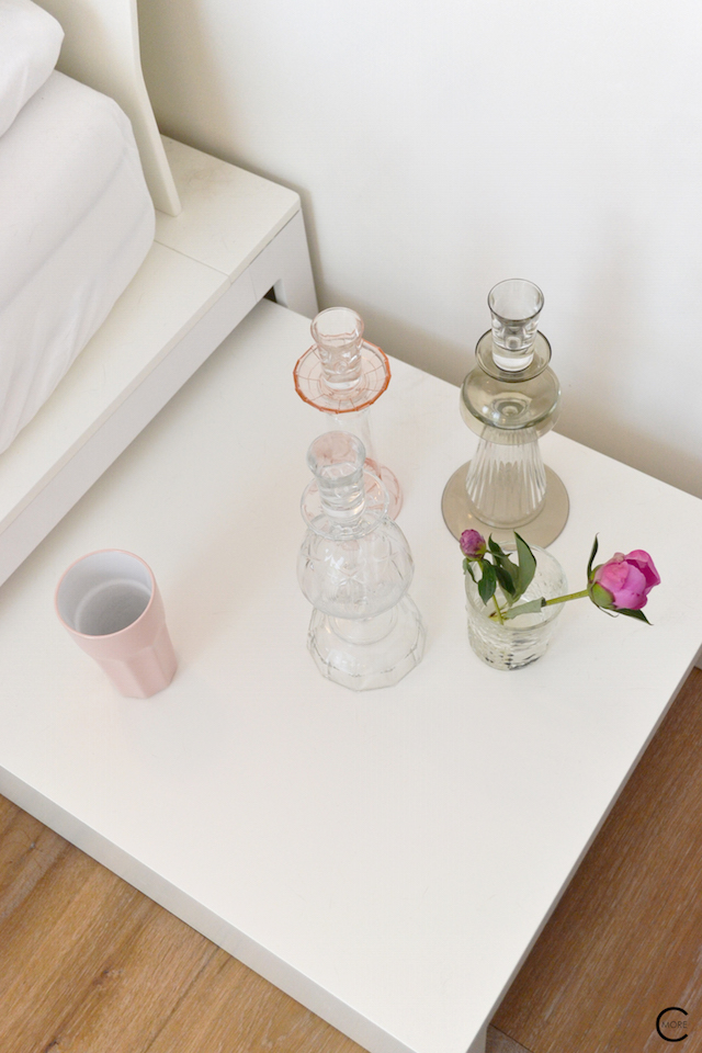 Vitra Design Kwartier Den Haag Studio van t Wout bedroom styling pink glass vase color flower