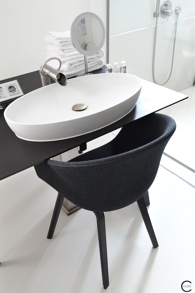 Jee-O bath shower wellness spa Design bathroom Manna awardwinning Design Hotel NL 25