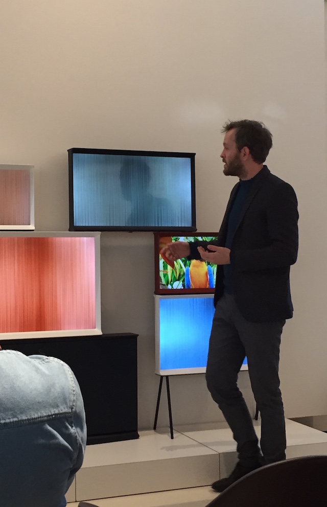 Erwan Bouroullec presenting the Serif TV | Design by Bouroullec | Samsung | Vitra | Photo © by C-More