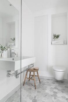 Lichte kleuren in je badkamer