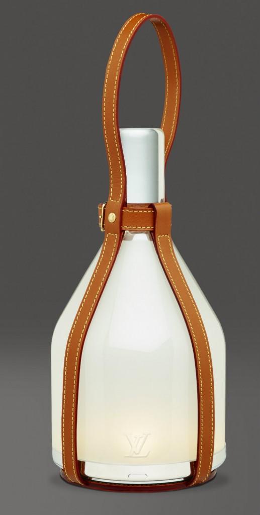 Lámpara 'Bell', diseño de Barber&Osgerby para Louis Vuitton. Fotografía: cortesía Louis Vuitton Malletier.