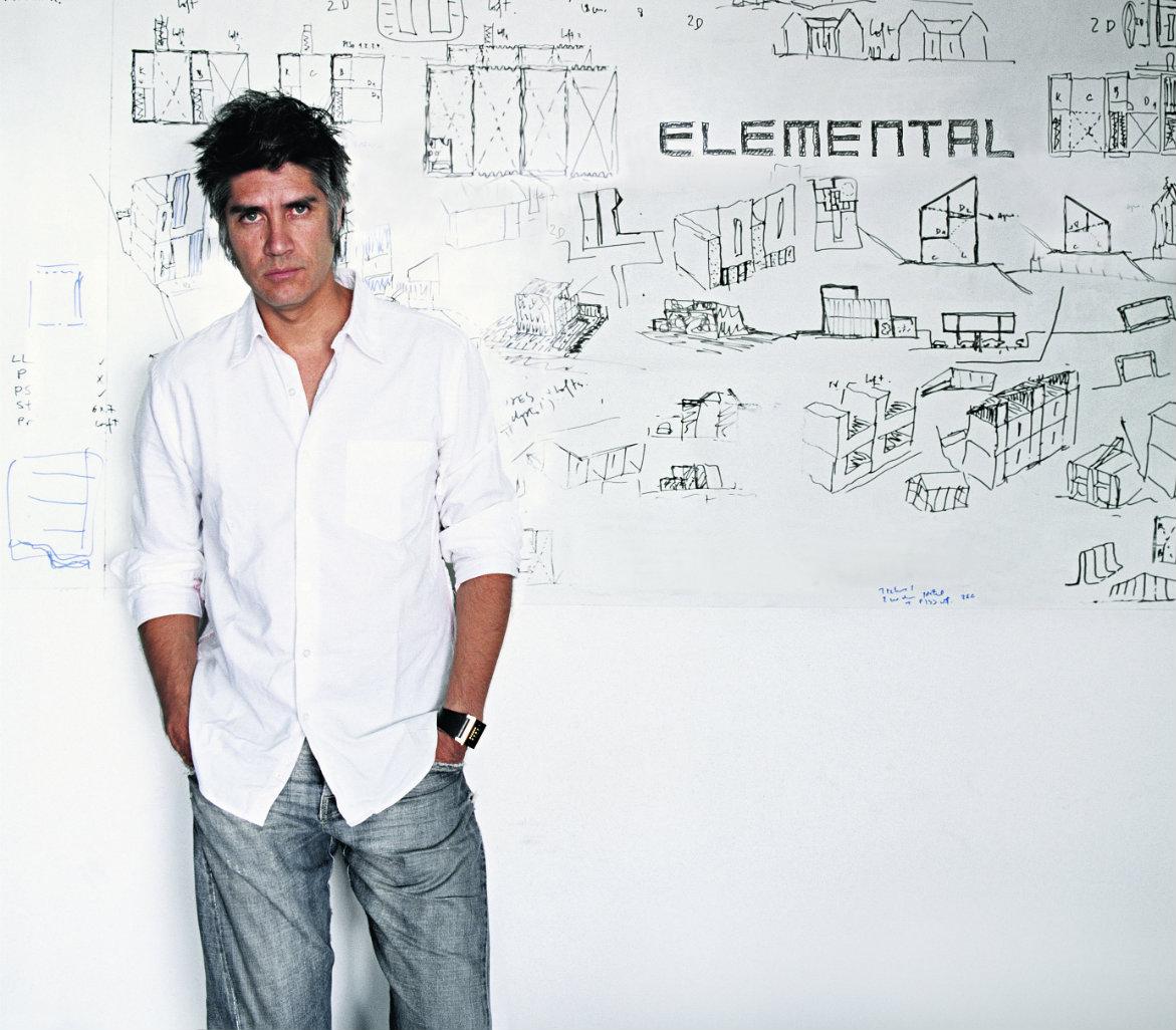 Alejandro Aravena Fotografía: Cristobal Palma. Cortesía Elemental.