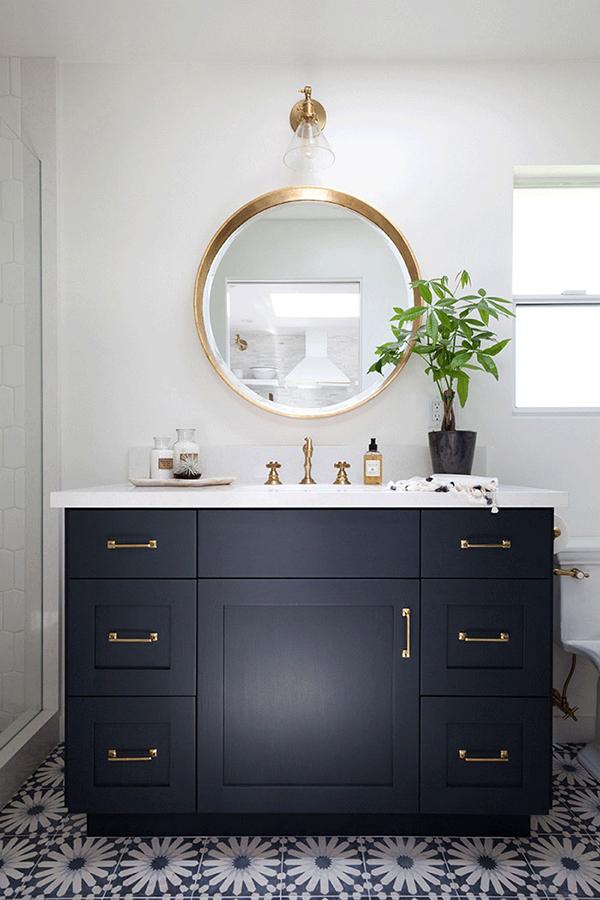 interior-cravings-round-mirror-over-black-cabinets-bathroom-design-by-kristen-marie-interiors-via-afternoontea
