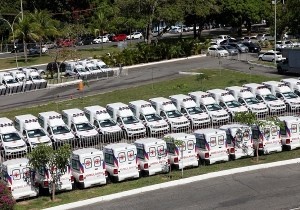 Governador Rui Costa entrega ambulências para diversos municípios baianos. Foto: Camila Souza/GOVBA