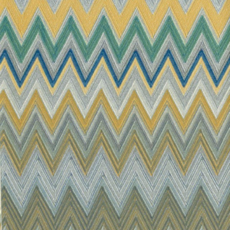 Nel suo stile classico colore, gradazioni, sfumature e contrasti si intrecciano in suggestivi grafici, sequenze e tonalità. Missoni Home 01 Interiordesign Tiziano Pallara