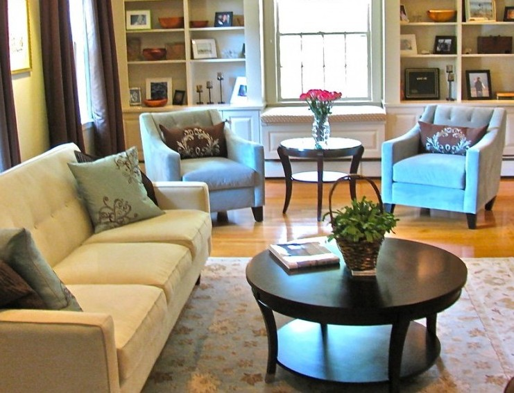 Best way to use an area rug in a living room - Best area rugs for living room ...