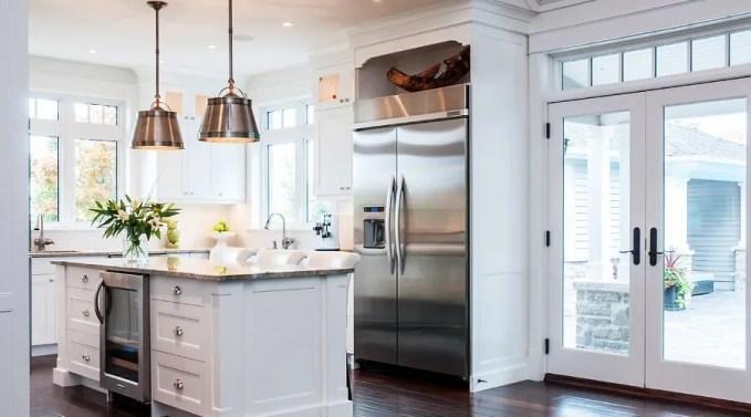 Pleasent White Kitchen Design