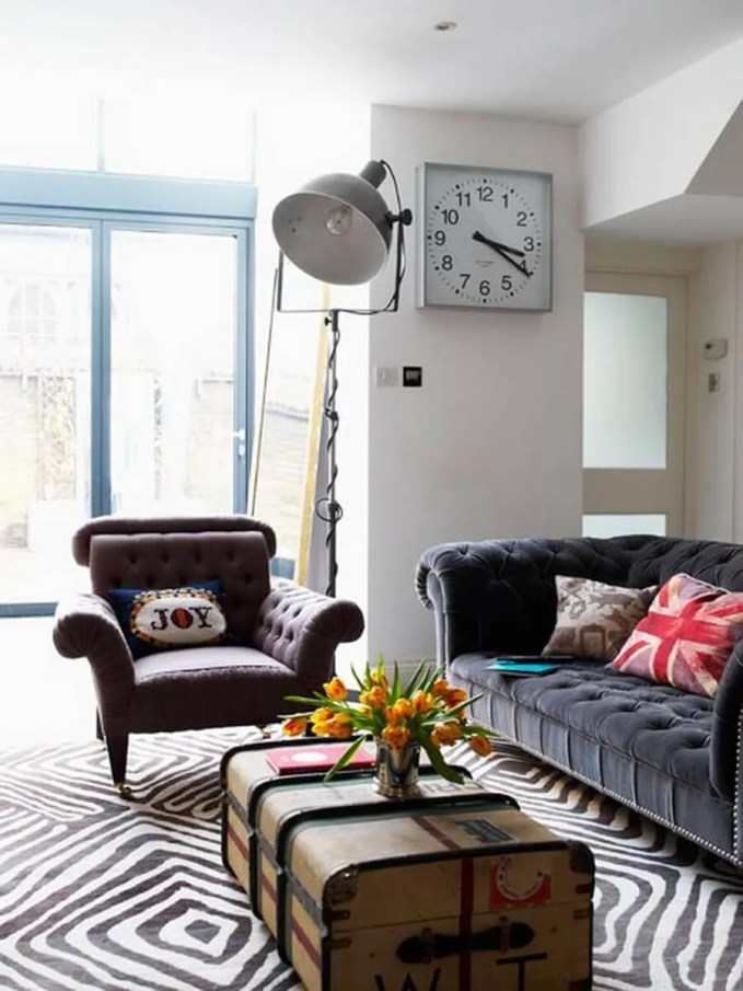 neutral-living-room-with-vintage-elements