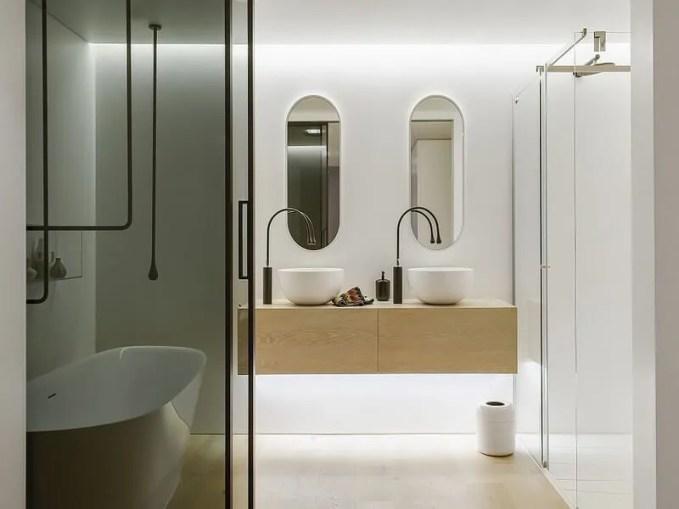 981e4__Walsh-Bay-home-bathroom-by-Minosa-Design (Copy)