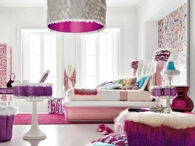 abstract-wall-decorating-ideas-for-little-girls-room-1024x677