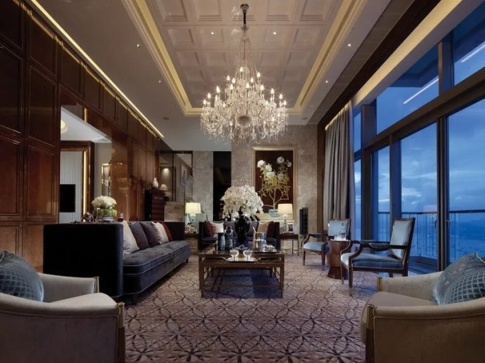 white-and-wood-chandelier-floral-living-steve-leung