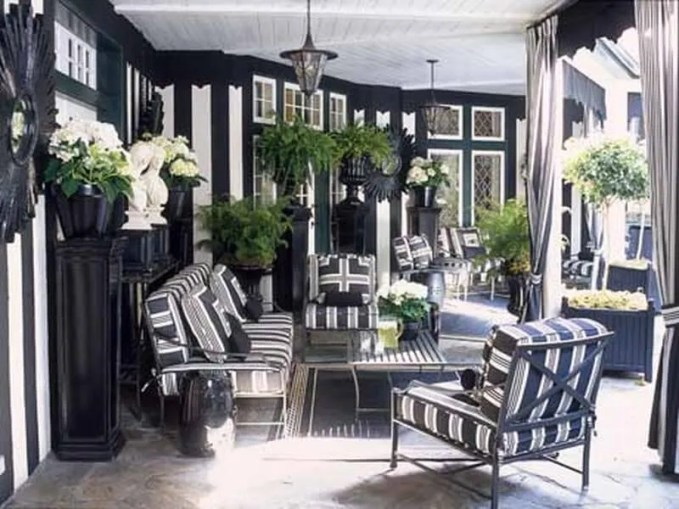 Decorating with Black and White-4-(HB)