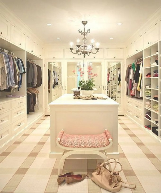 33 Glamorous Bedroom Design Ideas: 10 Stylish And Chic Walk-In Closet Interior Design Ideas
