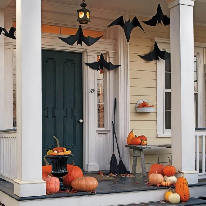 Decorate-front-porch-for-Halloween_22