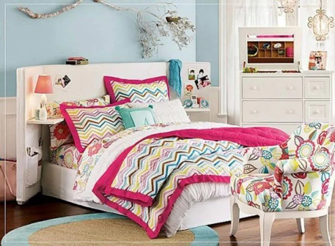 Lively Teenage girl bedroom idea