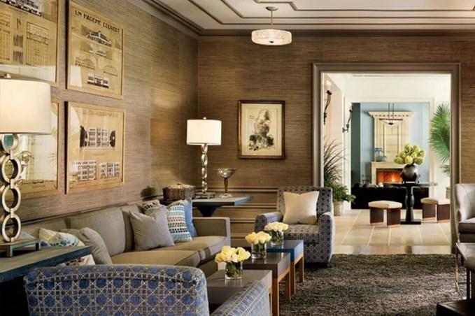gold-metallic-walls-decorating-living-room-decor-grasscloth-wallpaper-elegant-home