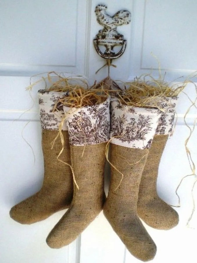 christmas-stockings-and-ideas-to-use-them-for-decor-10