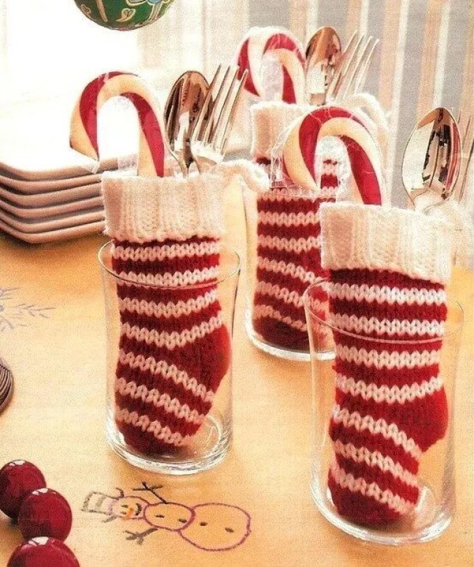 christmas-stockings-and-ideas-to-use-them-for-decor-27