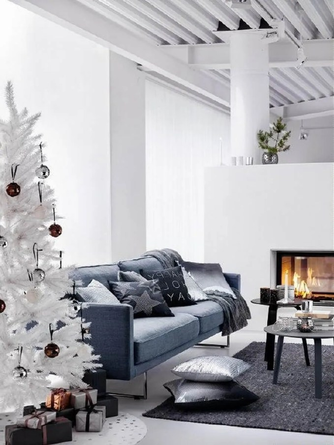 dreamy-christmas-living-room-decor-ideas-22