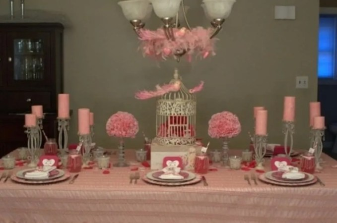 Baby Pink Valentine;s Table Setting