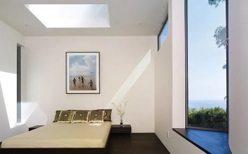 Best 15 Airy Bedrooms with Installed Skylights