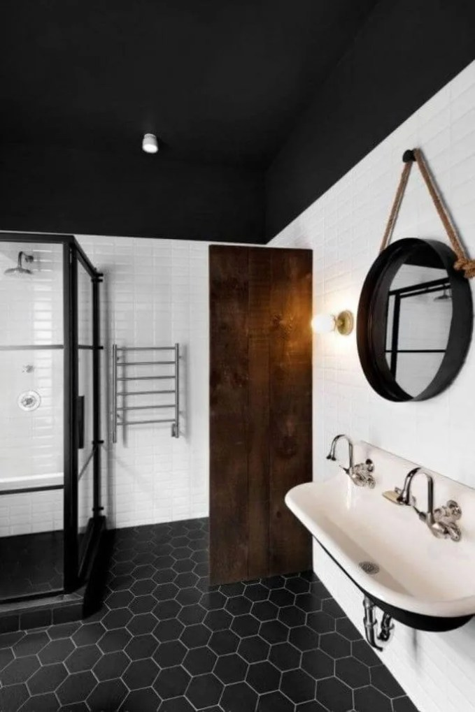 Modern High Contrast Bathroom