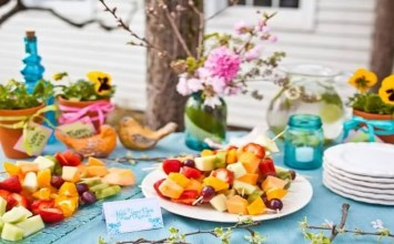 10 Amazing Outdoor Easter Decor Ideas