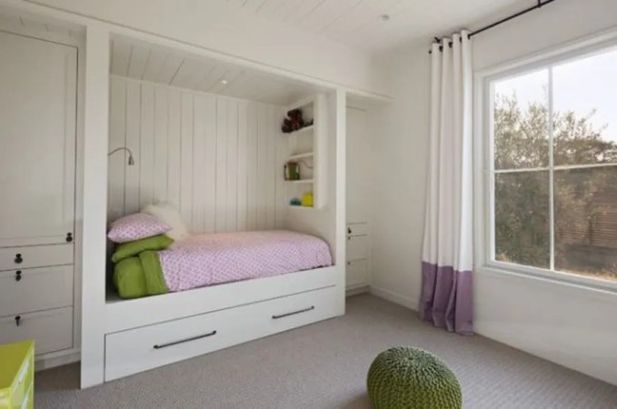Compact Trundle Bed