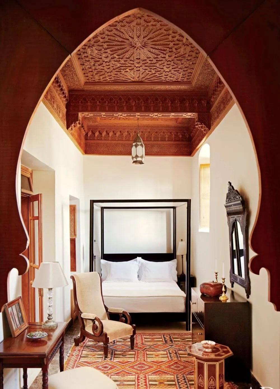 10 Vaulted Ceiling Design Ideas For Modern Bedroom Https