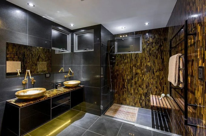 Opulent Gold and Black Baathroom