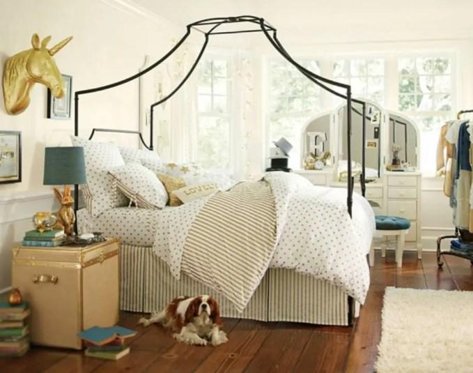 Stylish Girly Bedroom with Unicorn Antler