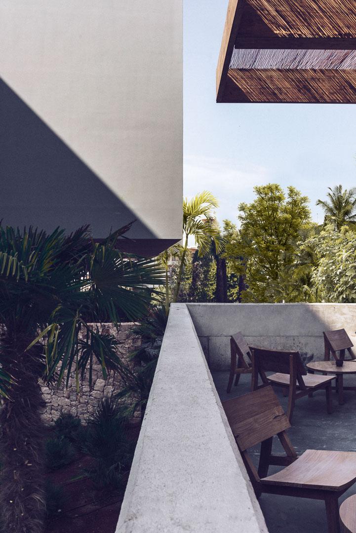 Fotografía arquitectura real estate del exterior de la terraza del comedor en el hotel casa cook Ibiza