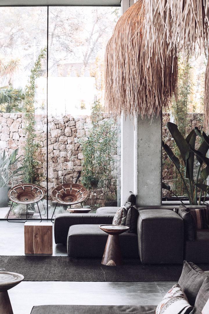 Fotografía arquitectura real estate del interior del hold del hotel Casa Cook Ibiza en islas baleares
