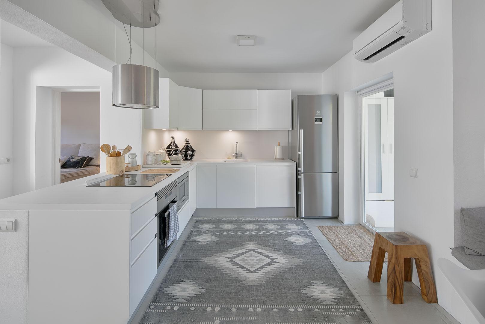 Imagen arquitectura real estate interior cocina casa campo en Ibiza