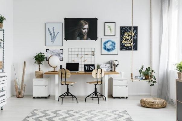 saaie muur op leuken, werkplek, thuiswerken, kantoor schommel in huis kinderkamer interiorqueen
